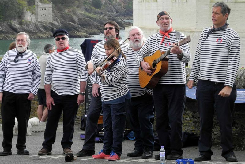 The Harry Browns at Wimborne Minster Folk Festival 2017